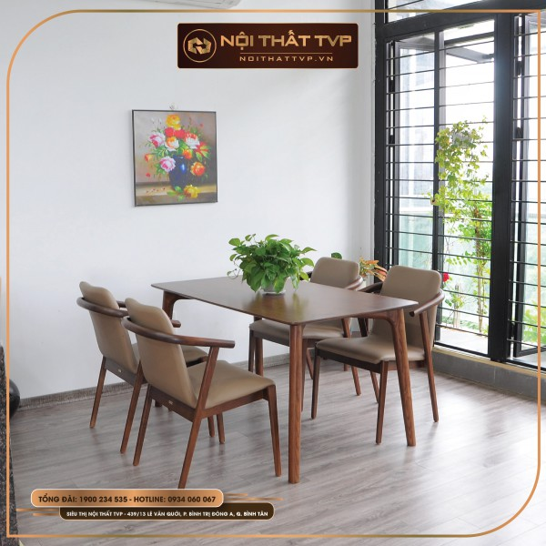 Bộ bàn ăn 4 người ghế gỗ tự nhiên, tay vịn vòng cung, bọc đệm da cao cấp TVP - kem