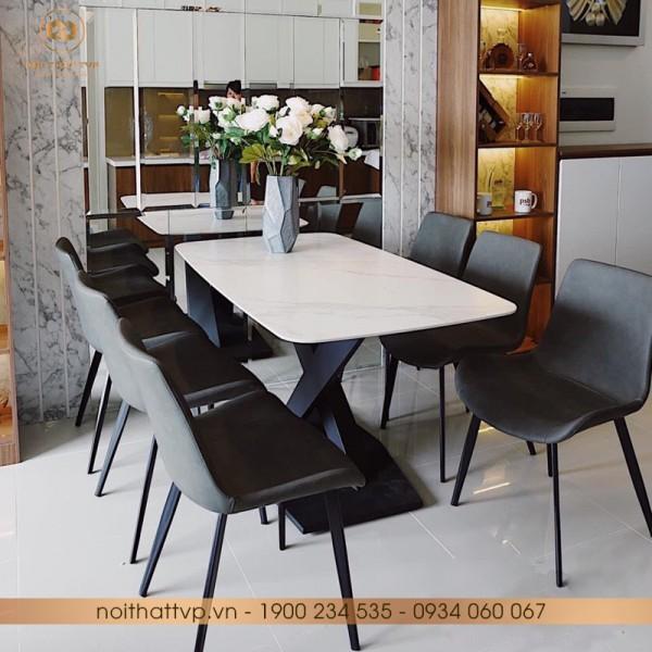 Bộ bàn Bộ bàn ăn mặt đá Marble vân mây, chân kim loại sơn tĩnh điện, ghế Loft trơn xám TVP